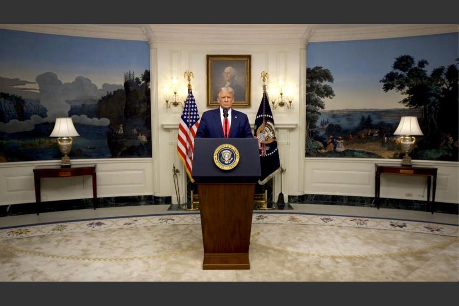 Trump fue llevado este viernes a un hospital para tratarse el Covid-19. (Foto: White House)