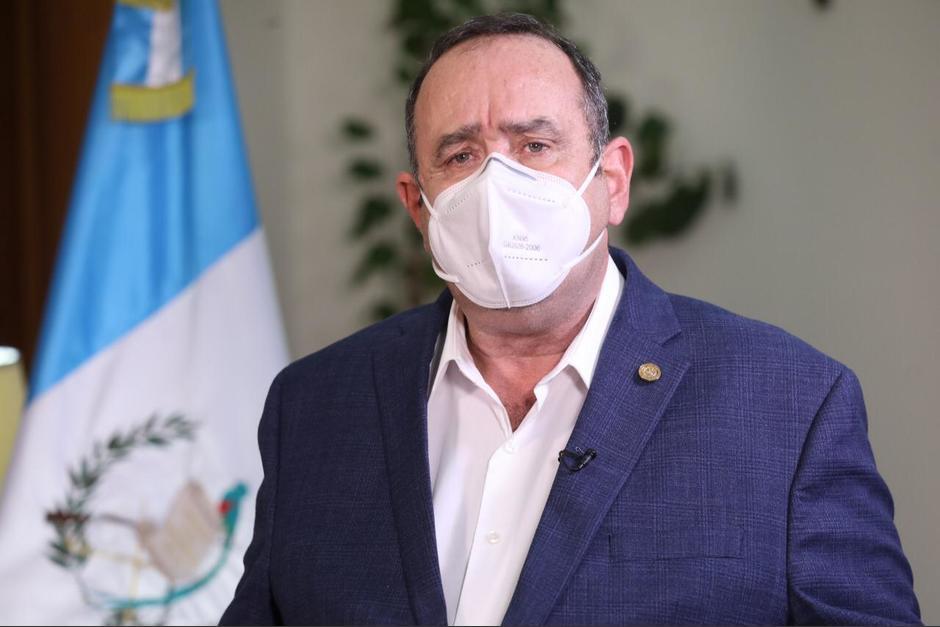 Giammattei anunció que dio positivo a la prueba de Covid-19 hace dos semanas. (Foto: Gobierno de Guatemala)