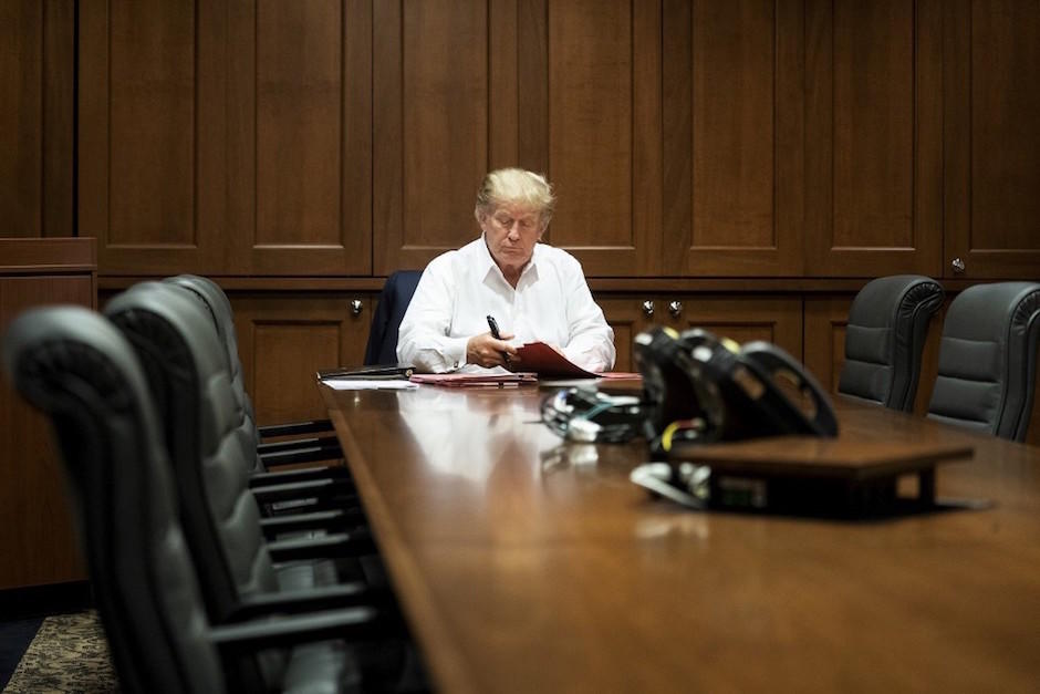 El presidente Donal Trump podría dejar el hospital este lunes, 5 de octubre. (Foto: AFP)