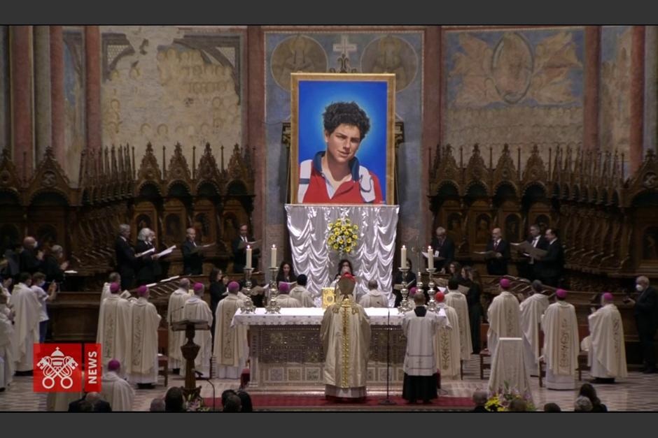 La ceremonia se llevó a cabo en Asís, la ciudad de San Francisco. (Captura Video)