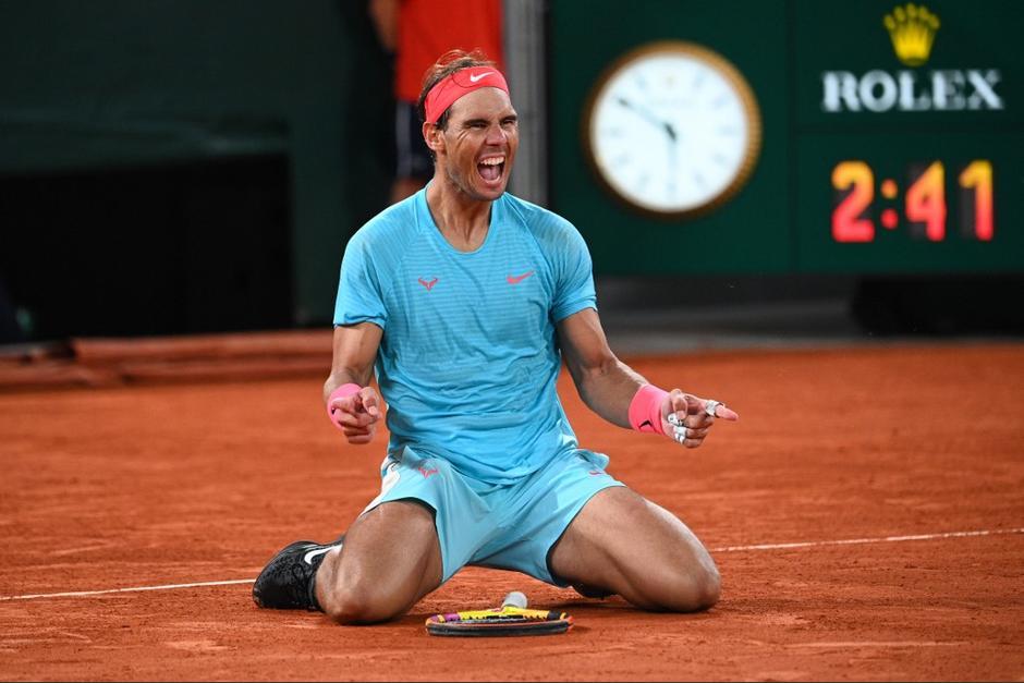 Rafael Nadal se impuso categóricamente sobre Novak Djokovic en Roland Garros. (Foto: AFP)