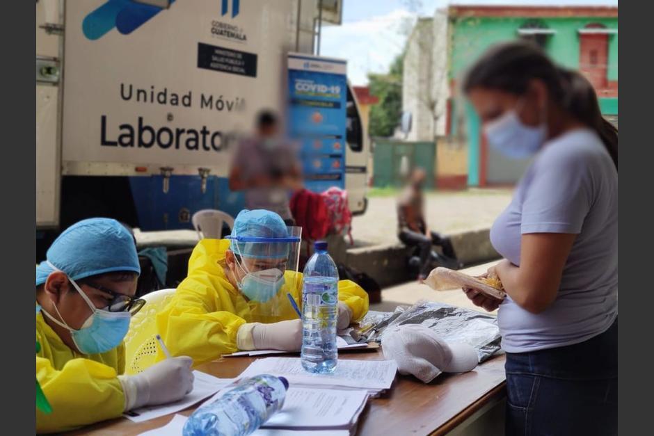 Este domingo, el 13% de las pruebas efectuadas dio positivo. (Foto: Ministerio de Salud)