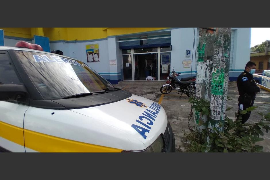 Un guardia de seguridad murió en el ingreso a un comercial en Escuintla. (Foto: captura video)