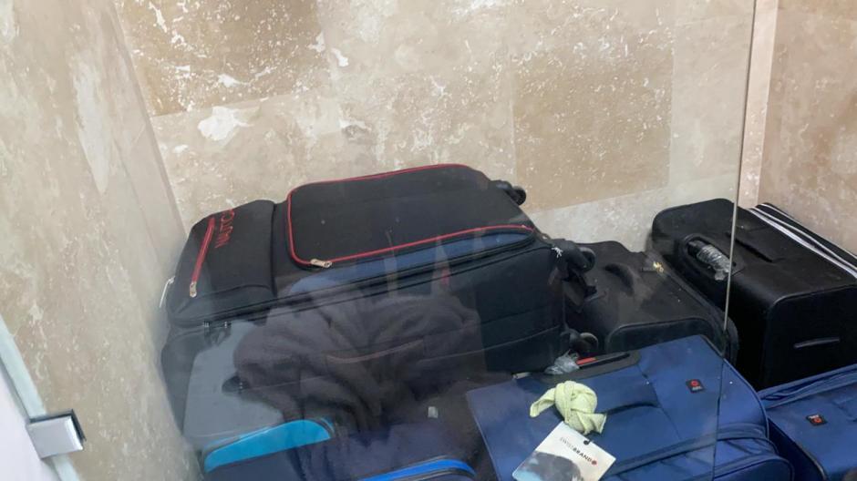 Vista de algunas de las maletas localizadas. (Foto: MP)