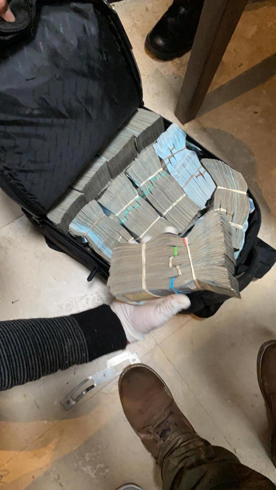Las maletas estaban en una casa del condominio Doña Beatriz en Antigua Guatemala. (Foto: MP)