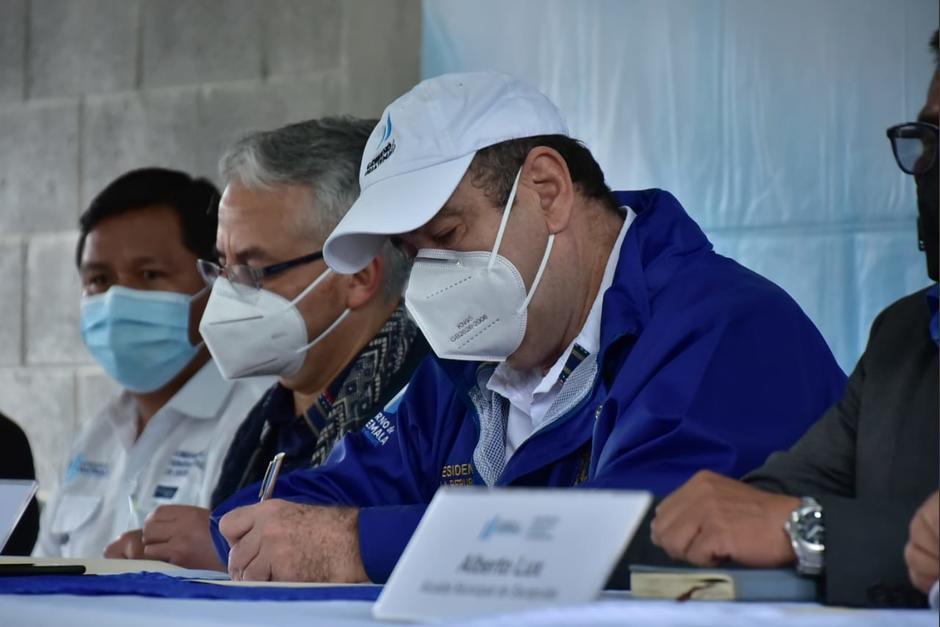 El presidente aseguró que la economía de Guatemala será una de las que se recuperará más rápido. (Foto: SCSPR)