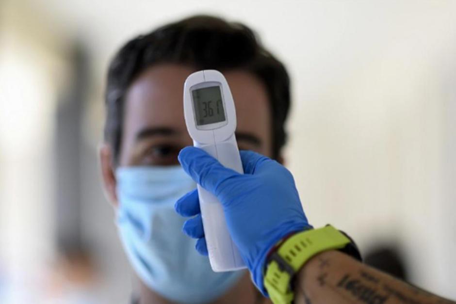 Guatemala mantiene 7,220 casos activos (Fotografía: AFP)