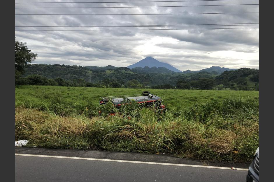Según usuarios el abuso de velocidad provocó el accidente. (Foto: Twitter/@TefyCastellanos)