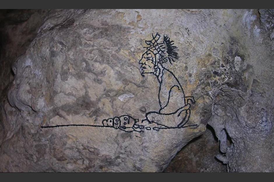 Pinturas rupestres se han localizado dentro de las paredes de esta cueva hallada en 1979 en Poptún, Petén. (Foto: Finca Ixobel)