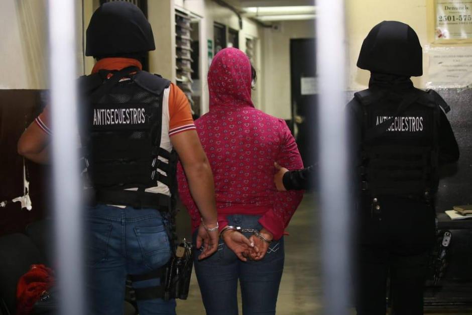 Una mujer fingió su propio secuestro y exigía a la familia Q35 mil. Las autoridades la descubrieron y la arrestaron. (Foto: PNC)