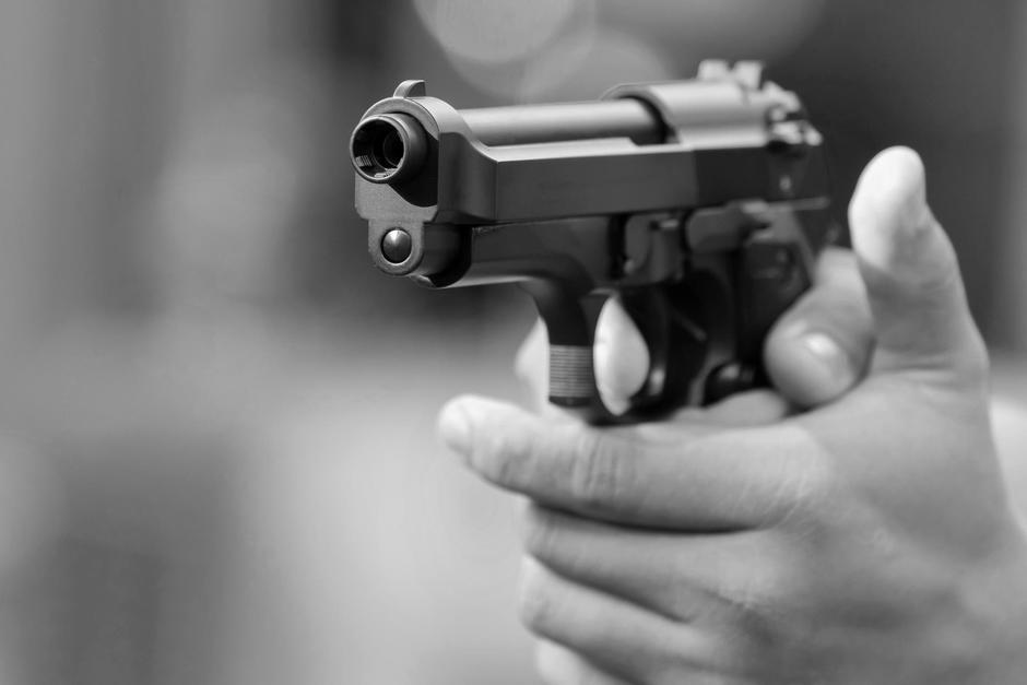 Las fuerzas de seguridad arrestaron a un hombre acusado de asesinar a una mujer en el interior de una cevichería en la zona 7 de la ciudad de Guatemala. (Imagen con fines ilustrativos. Foto: Shutterstock)