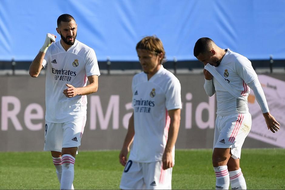Karim Benzema marcó un doblete en la goleada del Real Madrid contra el Huesca. (Foto: AFP)