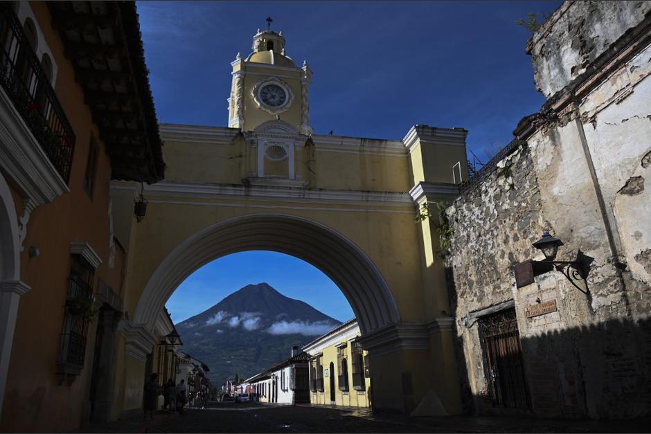 La ciudad de Antigua trata de resurgir tras varios meses con pérdidas económicas. (Foto: Johan Ordóñez/AFP)
