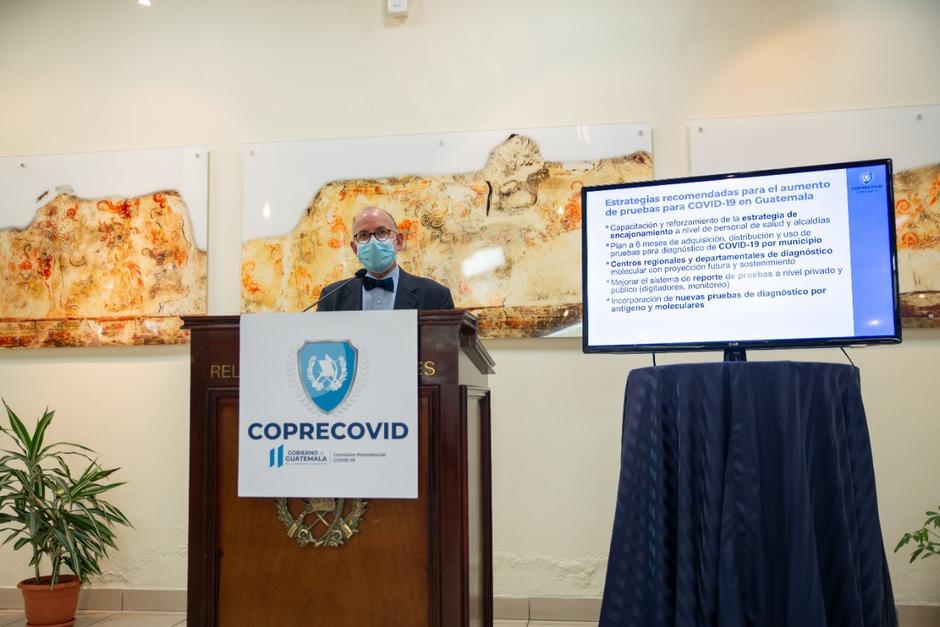 Edwin Asturidas, director de la Coprecovid, ofreció una conferencia de prensa. (Foto: Coprecovid)