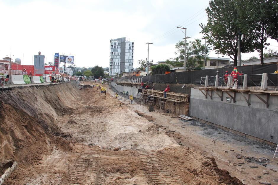 Actualmente se hace la excavación de las rampas en ambos sentidos. (Foto: Fredy Hernández/Soy502)