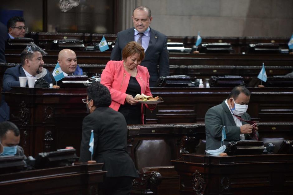 El martes un diputado reclamó por la alimentación en el Congreso mientras en el país hay hambre y pobreza. (Foto: Wilder López/Soy502)
