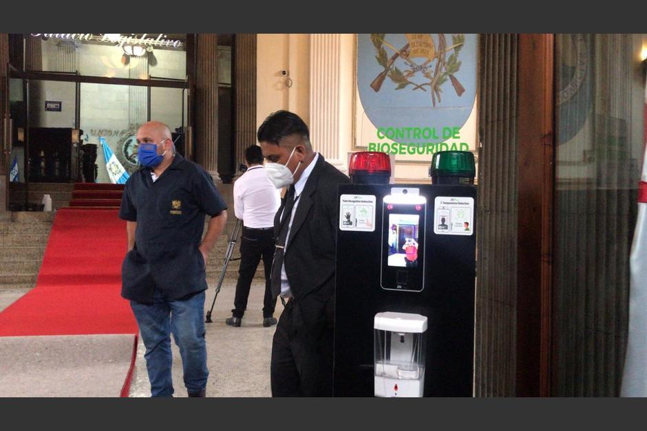 Los termómetros estarán ubicados en los accesos al Palacio Legislativo. (Foto: cortesía José Castro)