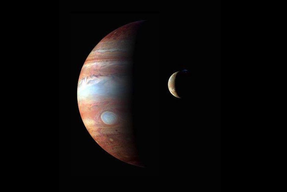 Telescopio Hubble capta la foto más nítida de Júpiter y su luna