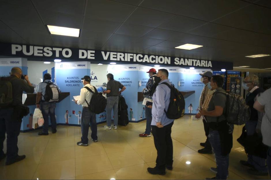 El viernes retomó labores el Aeropuerto Internacional La Aurora, con una gran afluencia de visitantes. (Foto: Wilder López/Soy502)