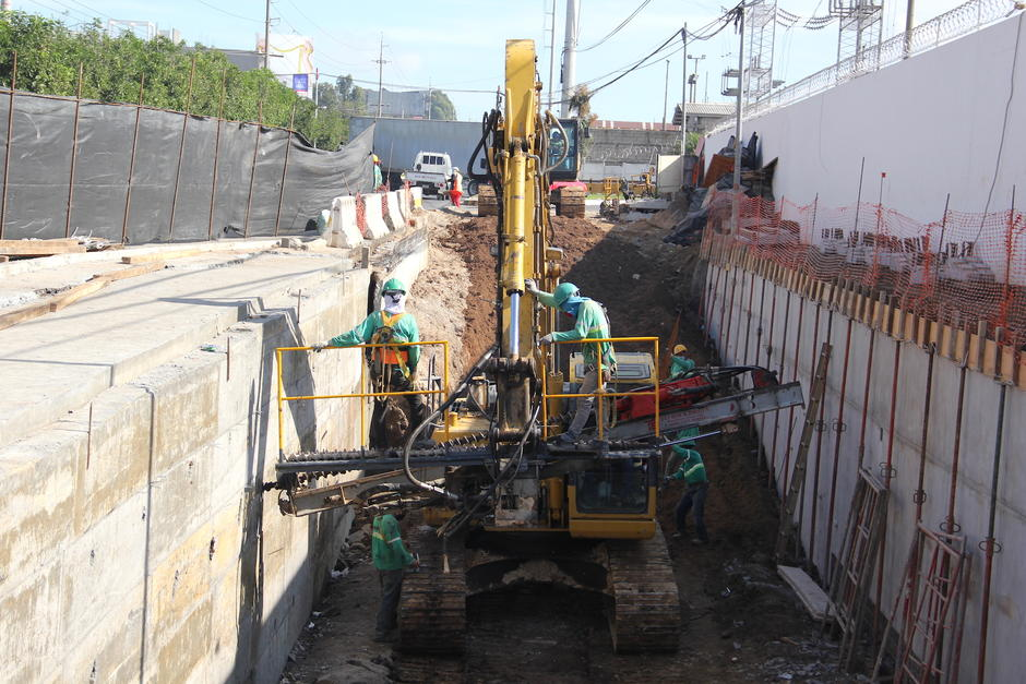 Actualmente se construye la rampa de salida de este viaducto. (Foto: Fredy Hernández/Soy502)