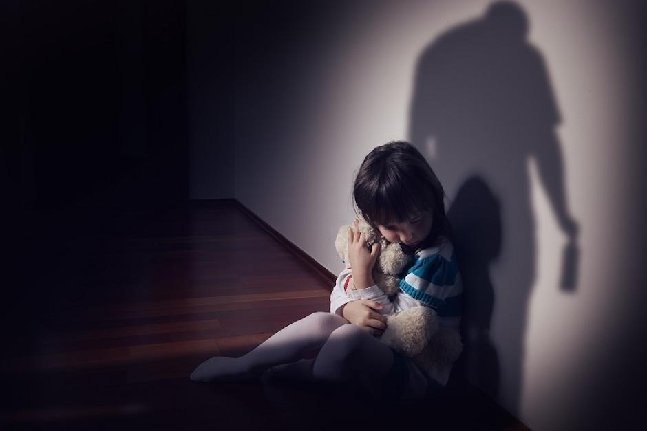 Dos personas fueron capturadas por la PNC y acusadas de abusar de niñas para producir pornografía infantil (Foto ilustrativa: rdn)