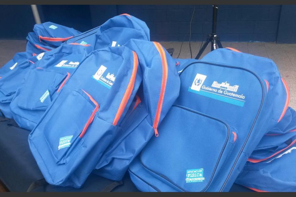 La Contraloría General de Cuentas presentó una denuncia por anomalías en la adquisición de estas mochilas. (Foto: Archivo/Soy502)
