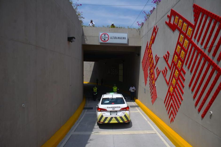 Los murales sorprenden a los conductores que se desplazan en este paso a desnivel. (Foto: Wilder López/Soy502)