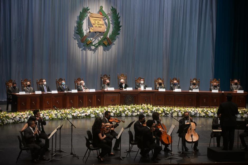 Los nuevos magistrados tomaron posesión de sus cargos este miércoles. (Foto: Wilder López/Soy502)