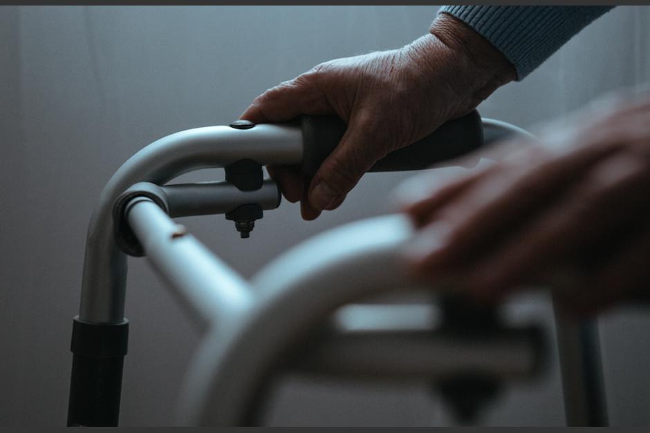 Al menos dos adultos mayores más se encuentran graves. (Foto: Ilustrativa/Shutterstock)