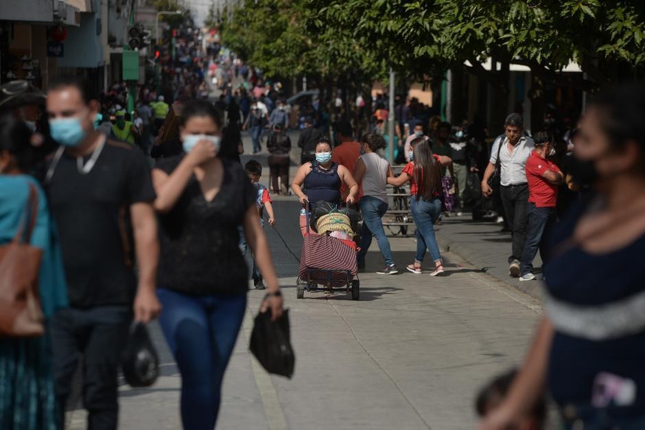 En 2020 hubo aglomeraciones por el Día de la Madre, a pesar del riesgo de contagio del Covid-19. (Foto: Archivo/Soy502)
