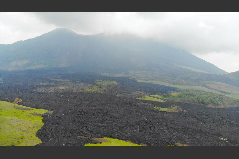 En los últimos días se han escuchado retumbos que emite el volcán. (Dron: Wilder López/Soy502)