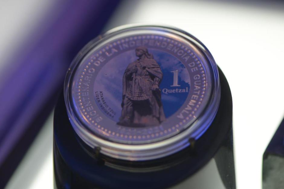 Esta es la moneda conmemorativa por el Bicentenario hecha por Banguat. (Foto: Wilder López/Soy502)