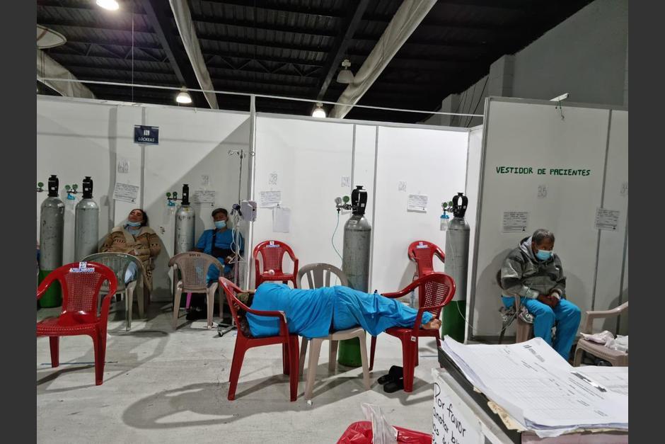 Varias fotografías revelaron la saturación en el hospital temporal del Parque de la Industria debido al incremento de casos de Covid-19. (Foto: Twitter/Zulma Calderón)