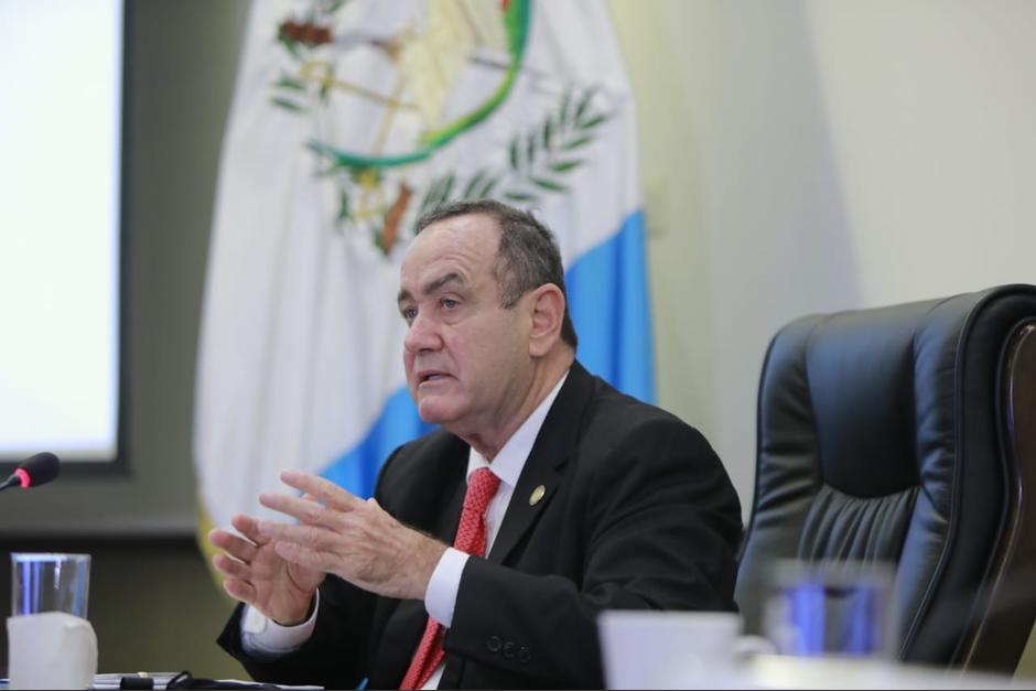 El presidente Alejandro Giammattei estableció un nuevo toque de queda para contener los casos de Covid-19. (Foto: Presidencia)