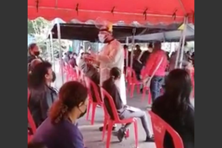 El mensaje es para las personas que completan su esquema de vacunación en Guatemala. (Foto: Captura de video)