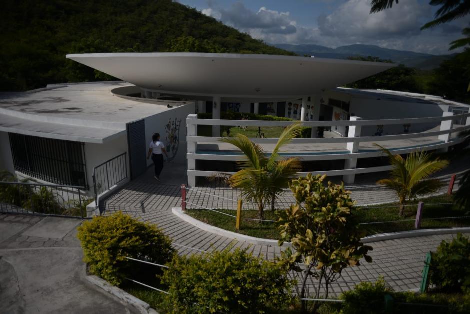 La escuela alberga más de 160 alumnos que esperan volver a las aulas. (Foto: Wilder López/Soy502)