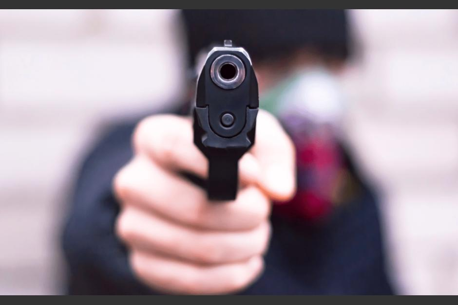 Una cámara de seguridad captó el momento en el que se cometió un robo a mano armada en La Reformita. (Foto ilustrativa/Blindamaz.net)