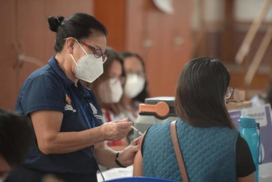 Centros de vacunación que estarán abiertos este fin de semana.(Foto: Archivo/Soy502)
