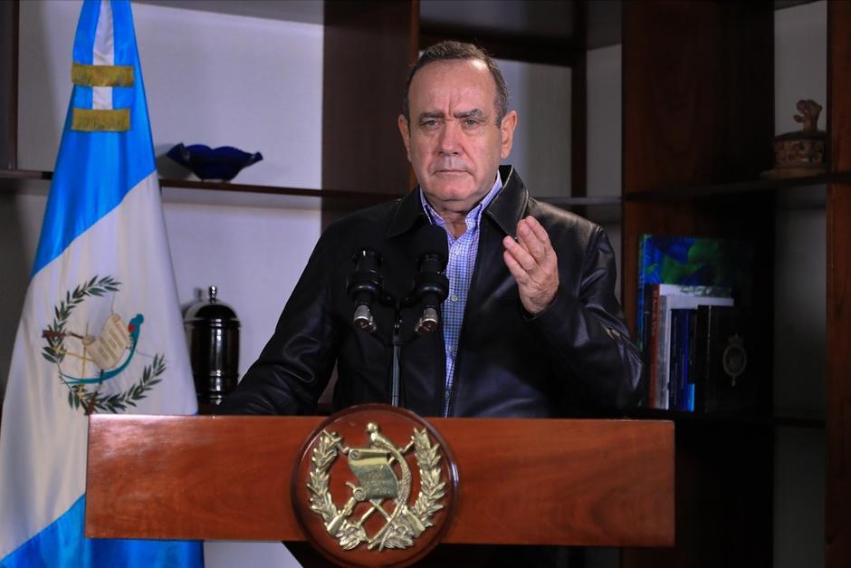 El presidente de Guatemala hablará esta noche en cadena nacional. (Foto: SCSPR)