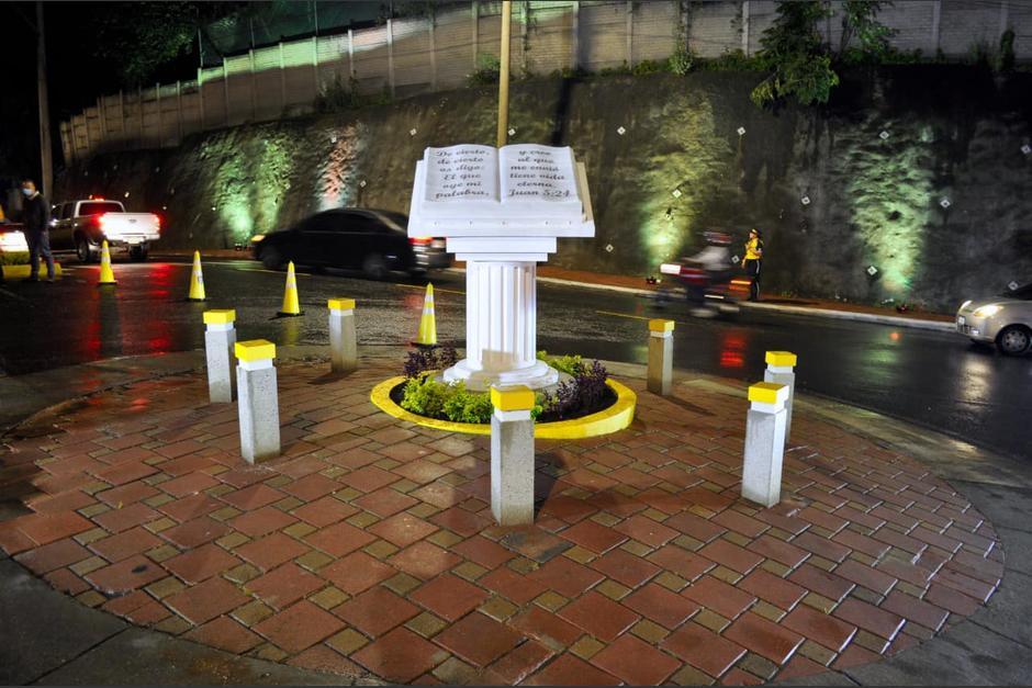 El monumento fue inaugurado en horas de la noche del sábado. (Foto: Facebook)