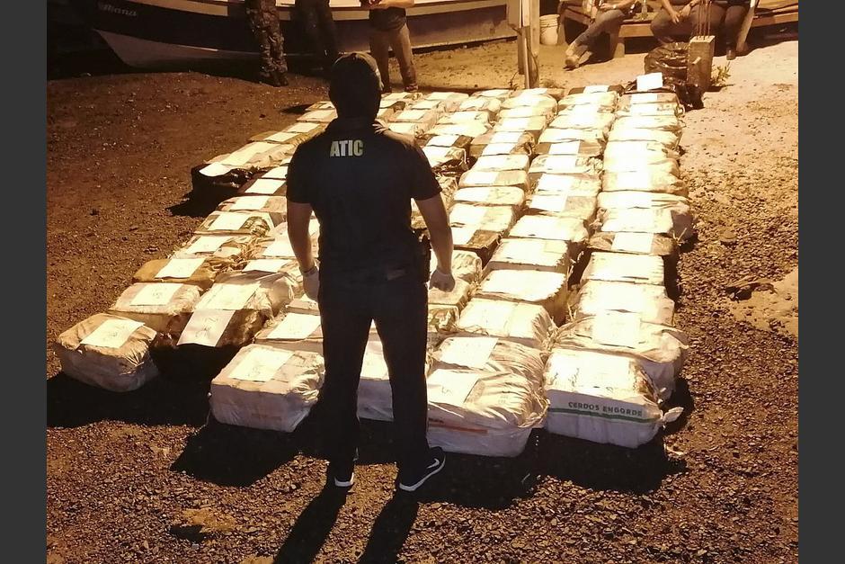 El alcalde de la isla fue detenido junto con tres personas, cuando se movilizaban en un camión que transportaba droga. (Foto: AFP)