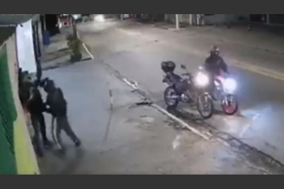 Un hombre repelió un asalto y disparó a los presuntos ladrones. (Foto: Captura de pantalla)