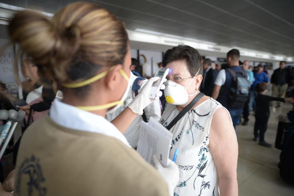 Los usuarios del Aeropuerto Internacional La Aurora podrán abordar sin prueba, pero deberán hacerla en el país. (Foto: Archivo/Soy502)