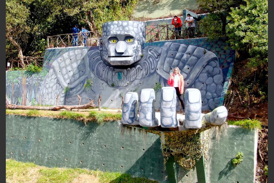 El Coloso de Hobbitenango se construyó en tres meses y recién se dio a conocer. (Foto: Dron, Sara Melini)