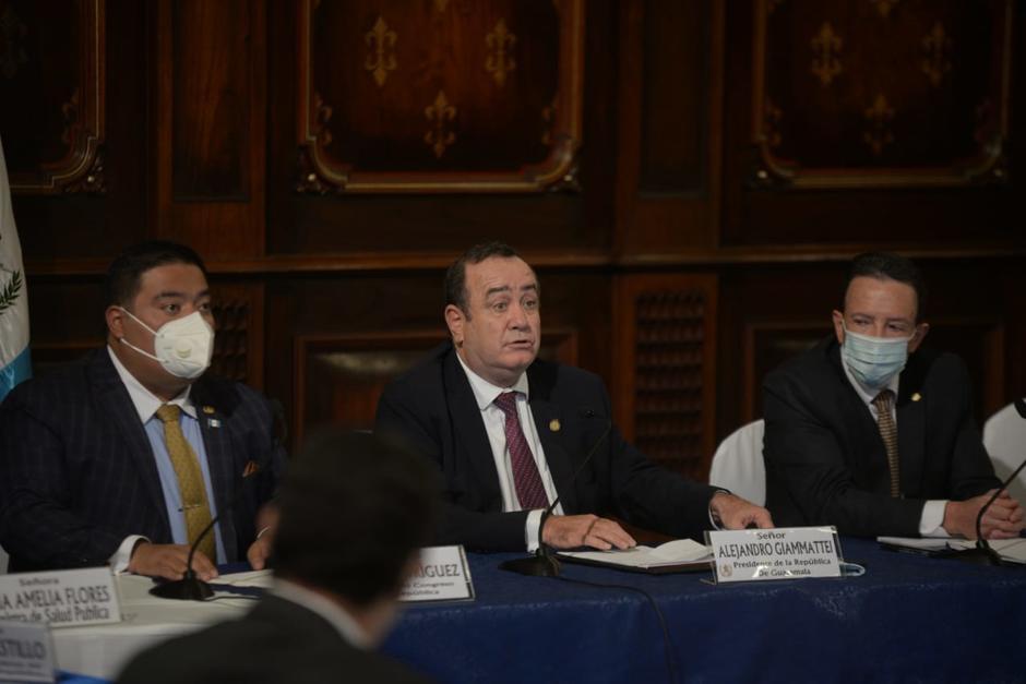 El presidente Alejandro Giammattei se reunió con diputados y jefes de bloques del Congreso. (Foto: Wilder López/Soy502)