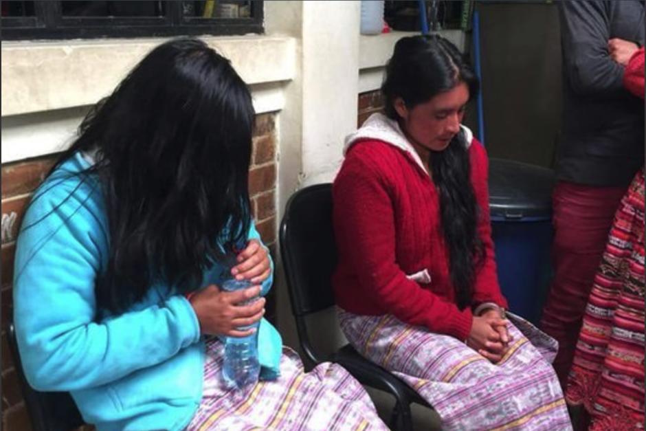 Ana González y Antonia López fueron capturadas durante una allanamiento en una radio comunitaria. (Foto: Prensa Comunitaria)