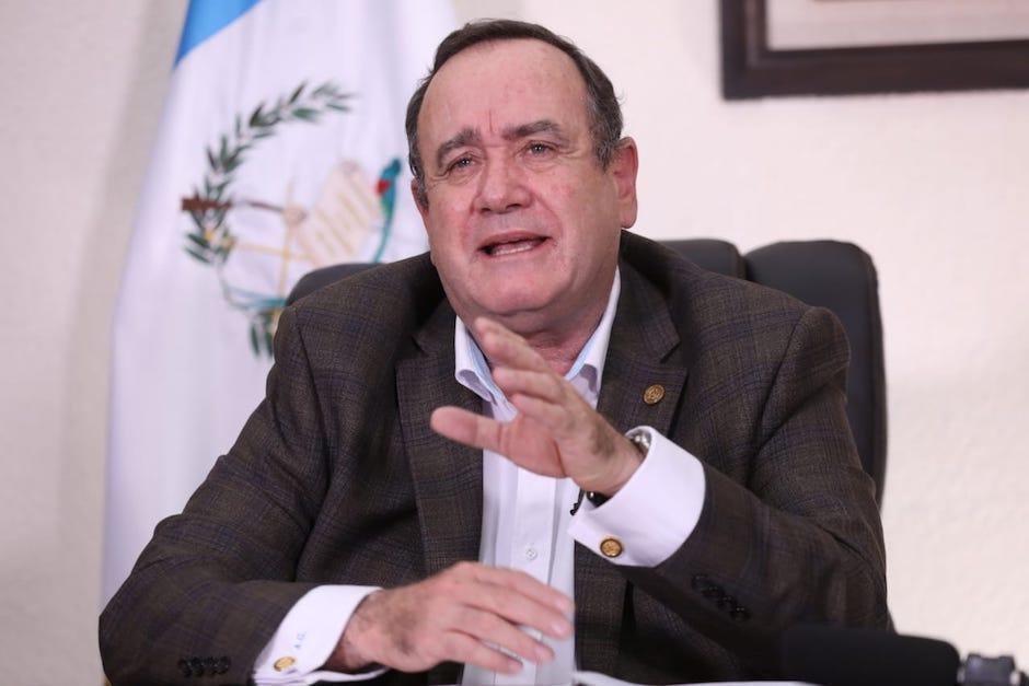El presidente Alejandro Giammattei se reunió con la fiscal General Consuelo Porras. (Foto: Archivo/Soy502)