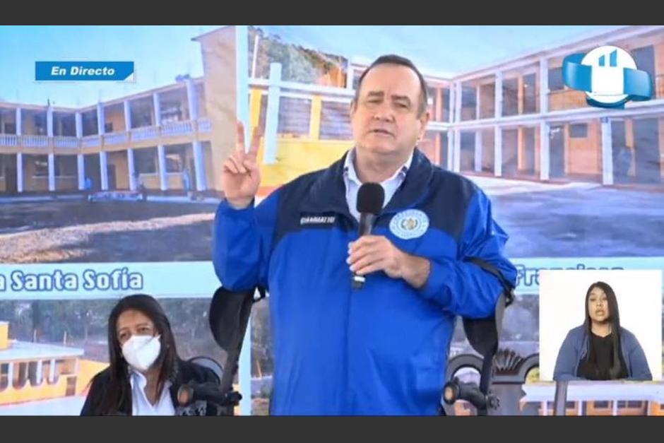 Alejandro Giammattei participó en la inauguración del Ciclo Escolar 2021, en San Pedro Yepocapa, Chimaltenango. (Foto: Captura de pantalla)