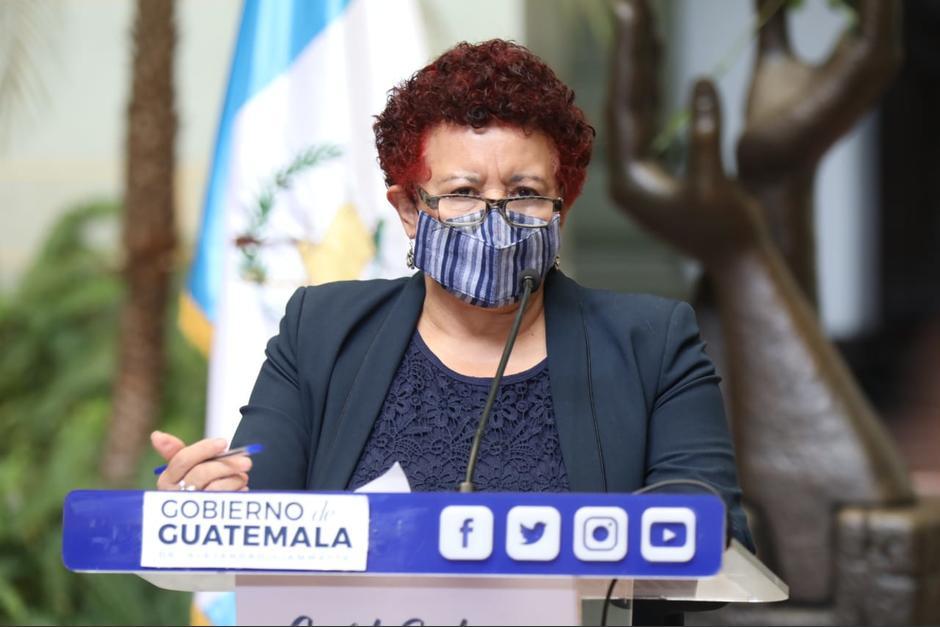 La ministra de Salud, Amelia Flores, ofreció una conferencia de prensa al salir de la reunión de Gabinete de Gobierno. (Foto: Presidencia)