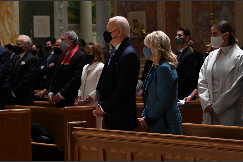 El presidente electo de Estados Unidos participó en una misa con líderes demócratas y republicanos del Congreso. (Foto: AFP)